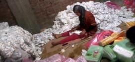 """كارثة صحية ، مصنع بمصر يقوم بتصنيع """" الكلينيكس """" من حفاظات الأطفال المستعملة"""