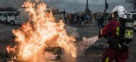 """الحكومة الفرنسية تسعى إلى حل أزمة احتجاجات """"السترات الصفراء"""""""